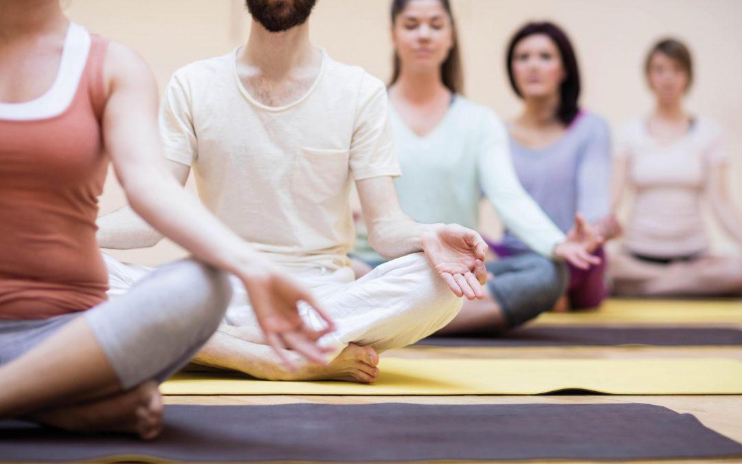 Yogakurse, montags 18.00 und 20.00 Uhr